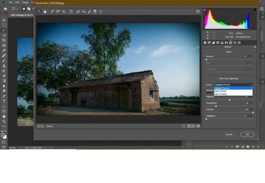 Adobe Camera Raw plugin to Photoshop can also create a post-crop vignette