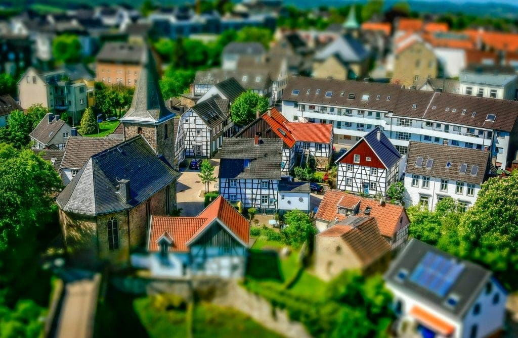 Tilt-shift shot